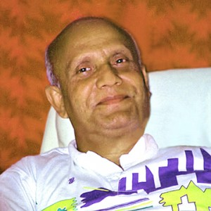 sri_chinmoy_smiling