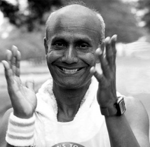 sri_chinmoy_clapping